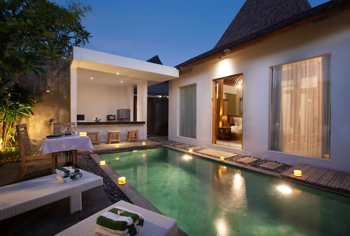 1 Bedroom Villa with Swimming pool & Kitchen