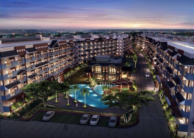 Condominium with 5-Star Amenities - Paranaque - Dom