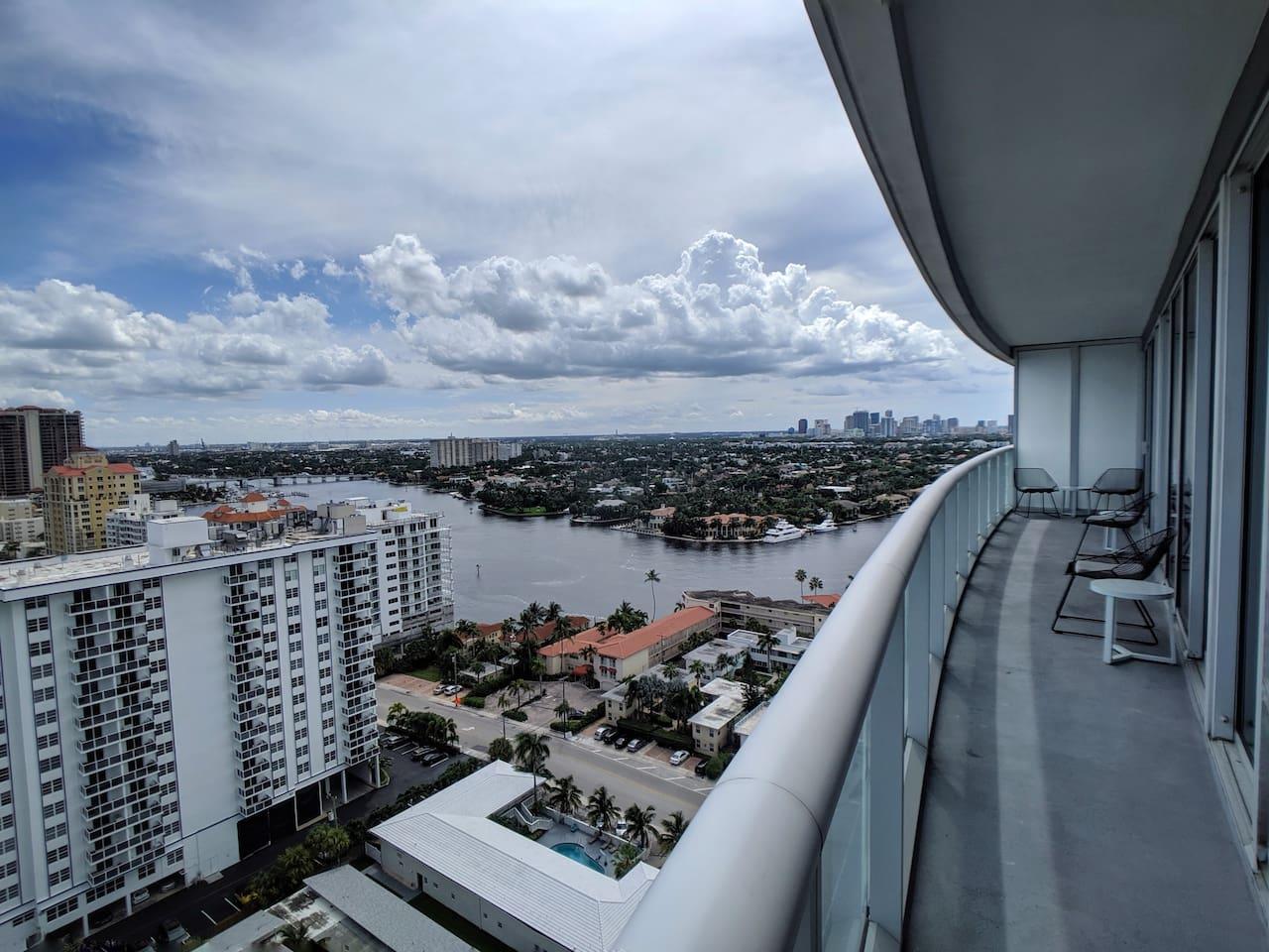 Balcony views towards the Intracoastal