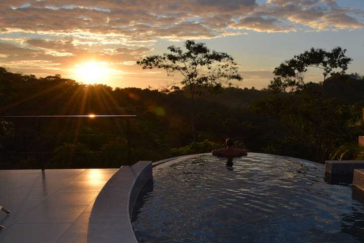 Casa Bellamar sunset & jungle views - BIG SALE!