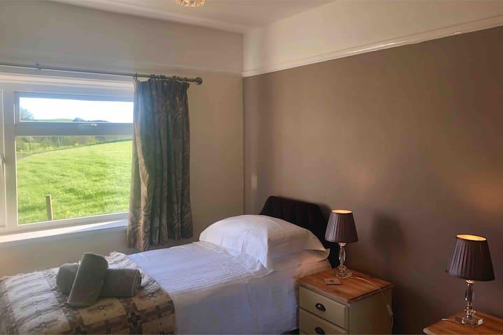 Back double bedroom