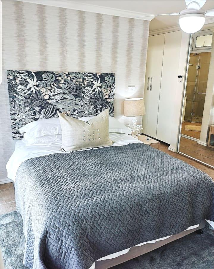 Single luxurious room in Umhlanga Rocks