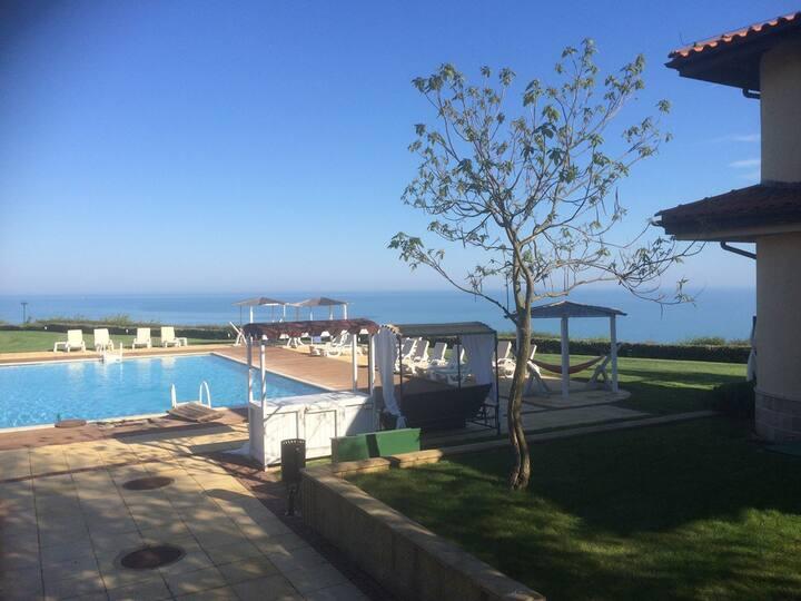 Lovely 3 bed house in Golf Resort