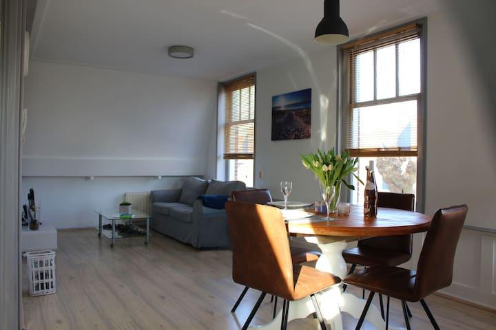 Compleet appartement dichtbij het strand