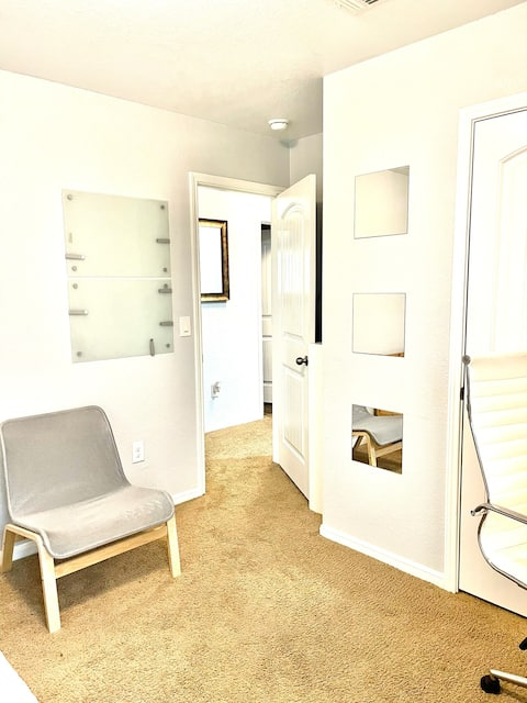 ✨2nd Floor PRIVATE Bathroom and Den✨