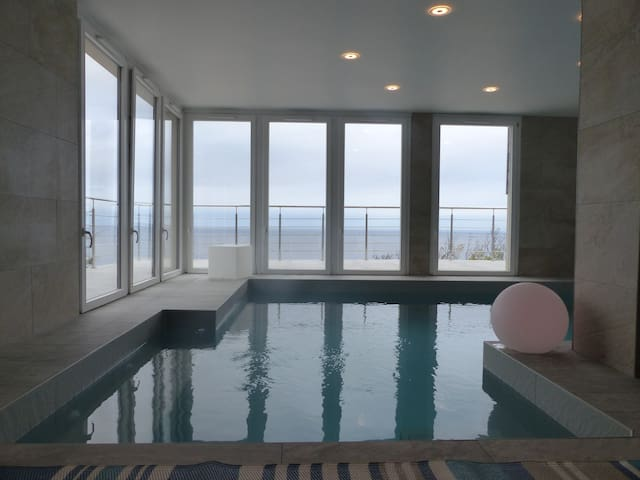 VILLA SEA VIEW and WARMED INTERNAL SWIMMING POOL