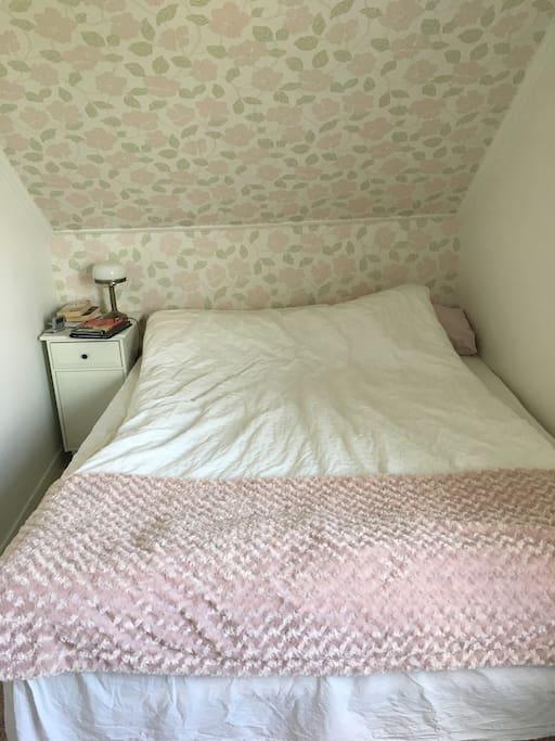 Sovrum 1 dubbelsäng