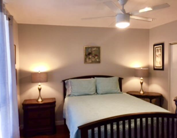 R1 Clean and quiet 1 bedroom, close to LAX