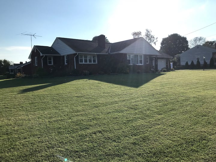 Reedsville Home with a View