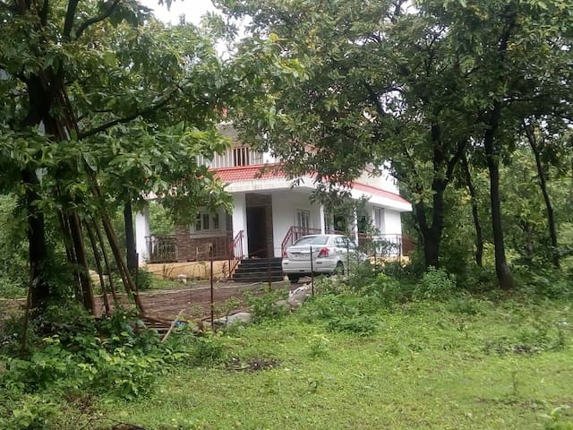 Mesmerising Nisarg Holiday Home Villa in Girivan