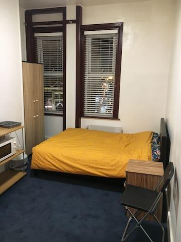 Lovely London Cosy Studio Flat!! Amazing Price