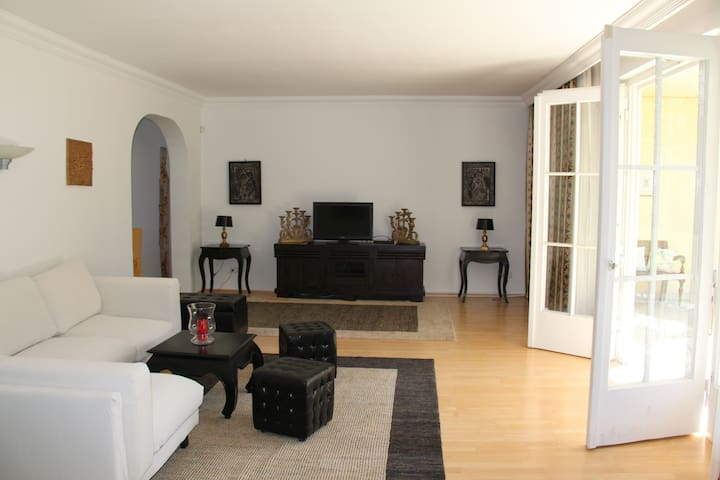 TOP APARTMENT / 130m² in VIENNA/DÖBLING