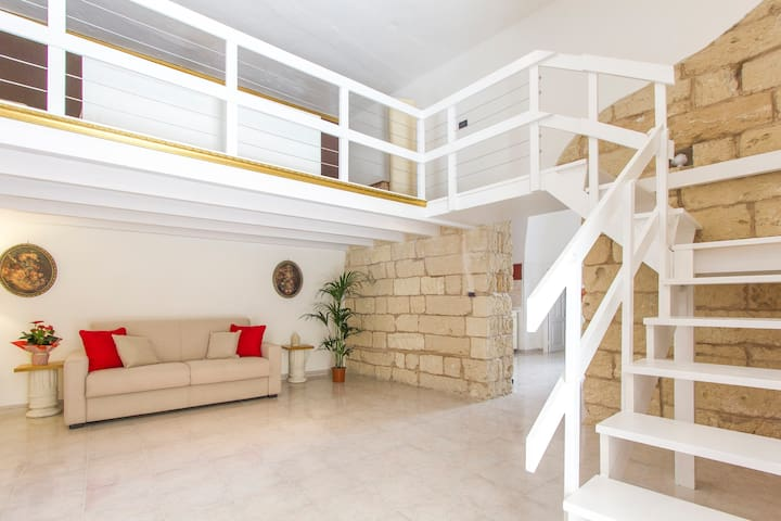 Suite Saetta, independent historical flat in Lecce - Lecce - Haus