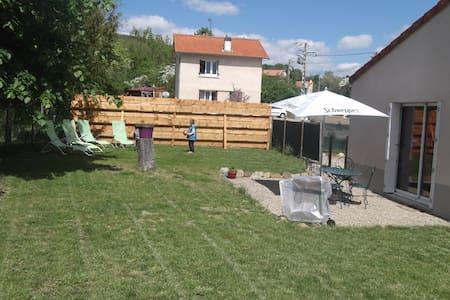 Maison avec jardin à Combronde - Combronde - Dům