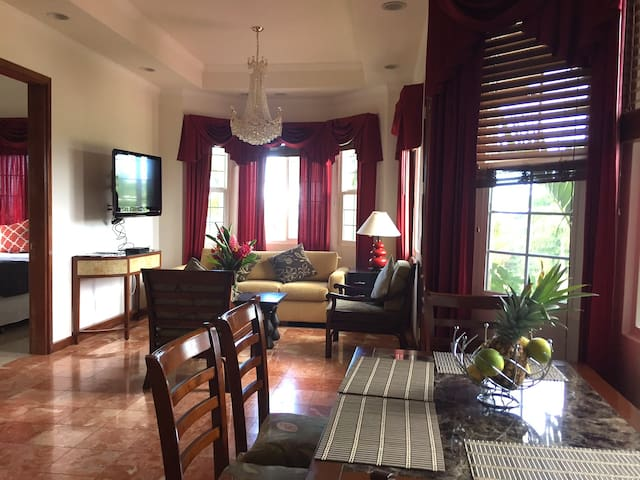 Beautiful & Charming 2 Bedroom 1 Bath Ohana - Lahaina - Casa