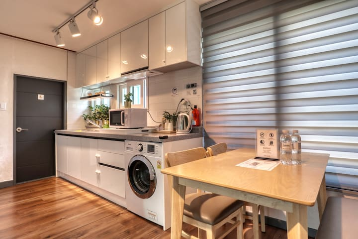 [7min Seoul Stn.] Private House for 3person