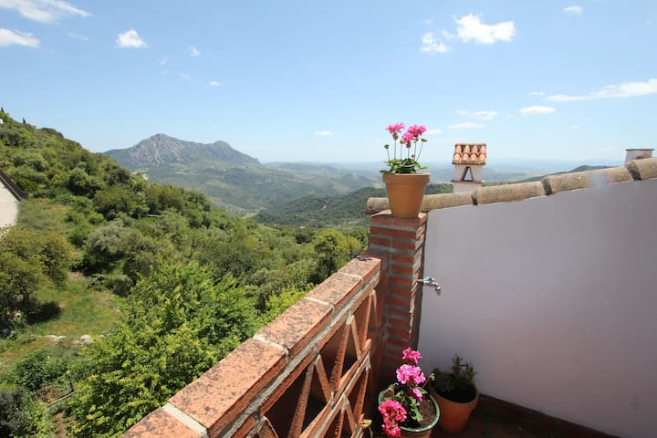 Magnificent Townhouse with fantastic views - Gaucín - 連棟房屋
