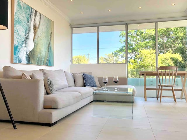 Modern Manly Beach Home with Parking - sleeps7