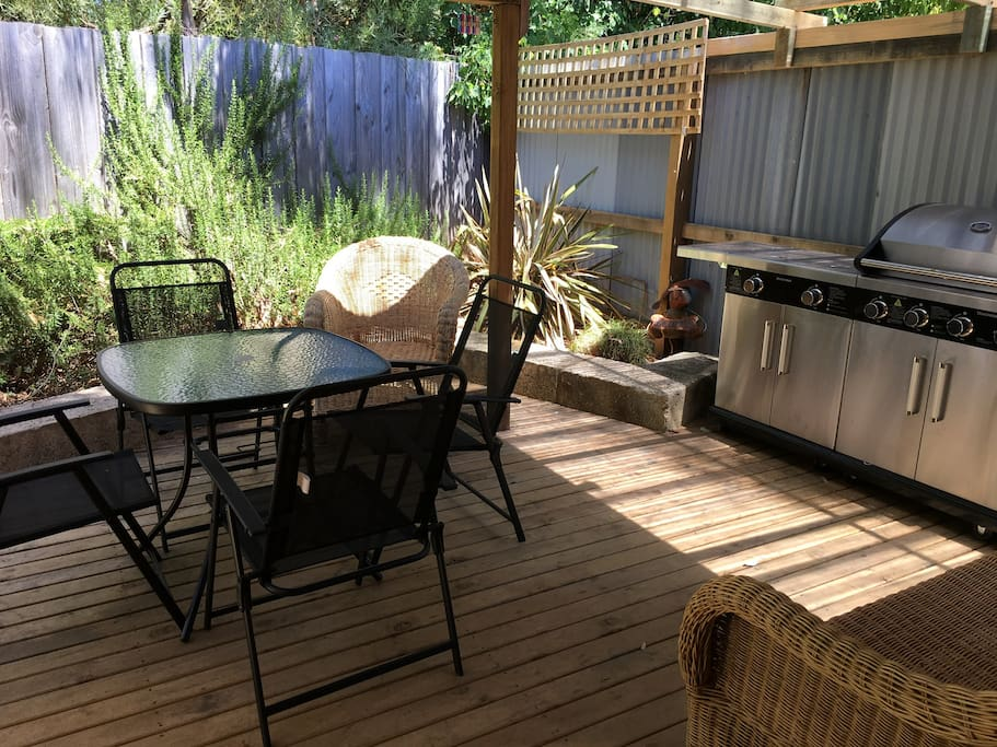 Outdoor kitchen and  alfresco dining