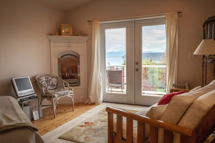 Le Studio, Sunlight SeaScape, Whidbey Island for 2 - Clinton - Apartemen