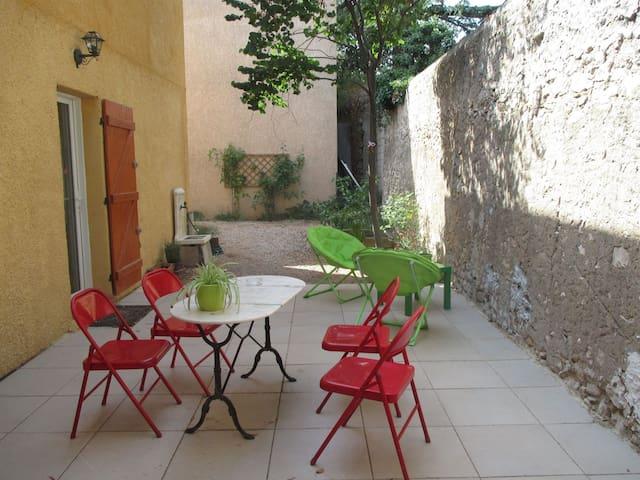 Joli appartement en centre ville - Saint-Maximin-la-Sainte-Baume