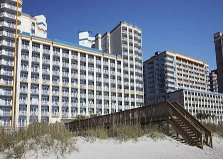 Oceanfront Resort - Family Fun, or Beach Getaway!