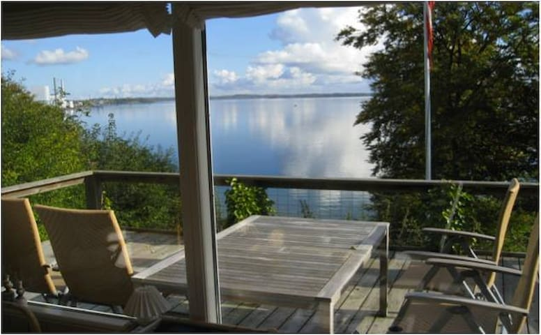 Cozy beach cottage - amazing view - Kolding - Chalet