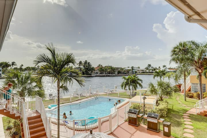 ☀️DELIGHTFUL WATERFRONT STUDIO - 1 BLOCK TO BEACH!🏖