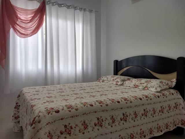 quarto para casal com AR em Balneário Camboriú