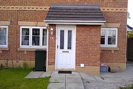 1 double bedroom in a flat. - Ellesmere Port