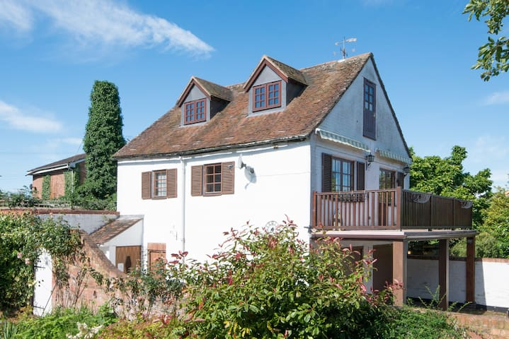 Pretty Upton Cottage - Superb Riverside Location - Upton upon Severn - Lägenhet