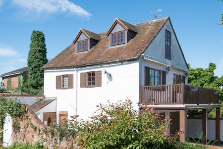 Pretty Upton Cottage - Superb Riverside Location - Upton upon Severn - Apartamento