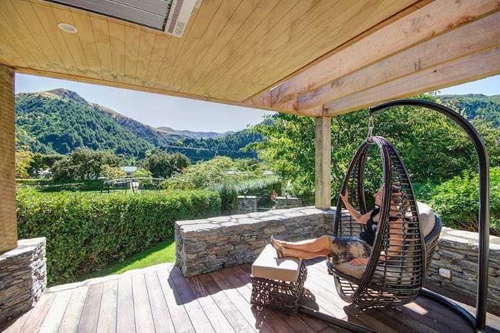 Arrowtown Luxury Cottage Guest House on Anglesea - Arrowtown - Guesthouse