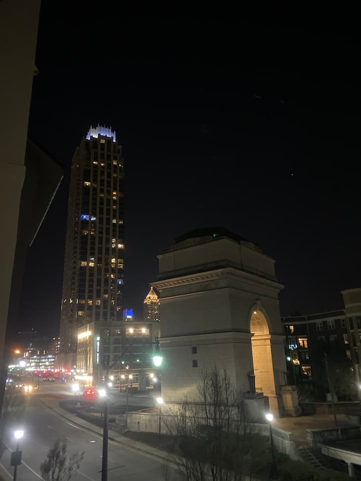 Nice View & Affordable Condo In Midtown Atlanta!