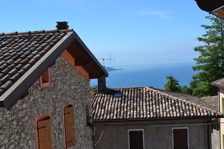 La Casina sulle colline del lago di Garda - Liano-formaga - Apartment