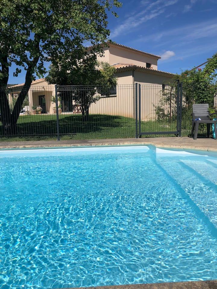 Villa de famille, avec piscine