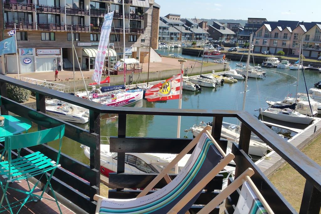 Balcon sur bassin marina