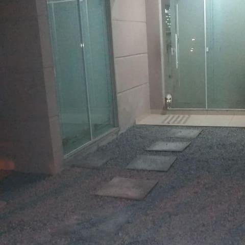 Acomodação hostel...quarto com suite
