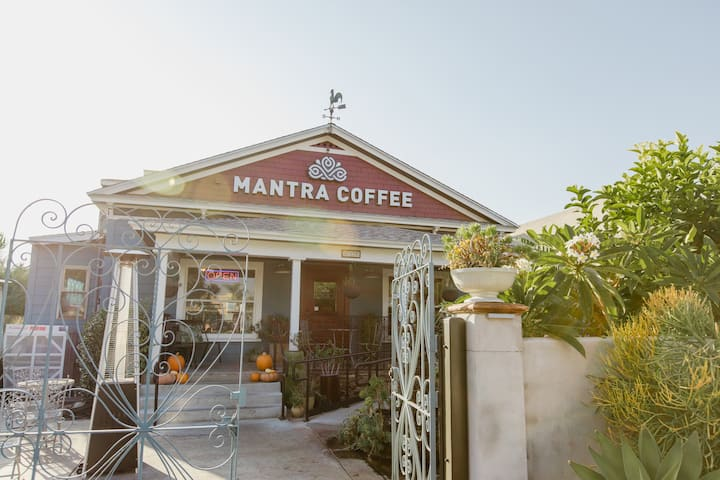 3 bed 2 bath Craftsman Home Above Mantra Coffee!
