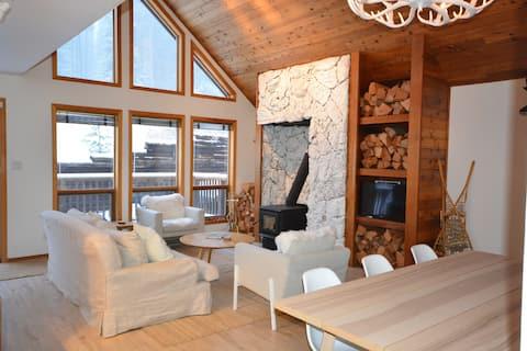 Whitetail Lodge! 4 Bed, Ski In @ Apex Mountain