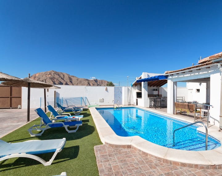 Casa Rural el Chalet CON PISCINA -PLAYAS Y GOLF