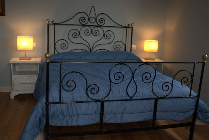 B&B Orsobigio (Lupo Room) - Quarrata - Bed & Breakfast