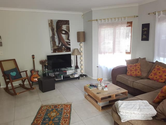 Single Room in Hout Bay, 3 min from the beach