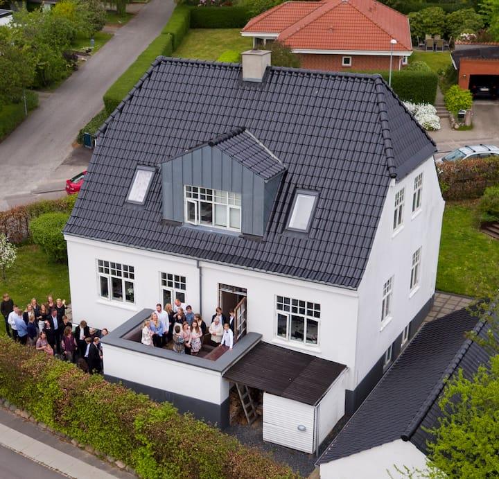 Smukt hus i Brabrand, tæt på naturen