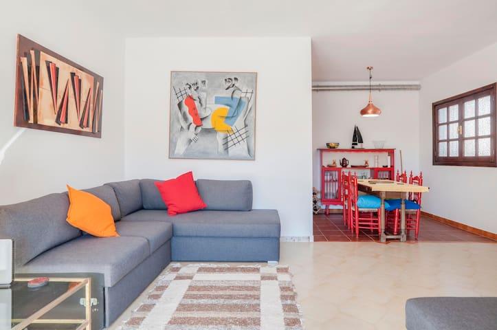 Vibrante y acogedor apartamento en corazón Mijas