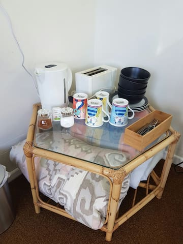 Cosy, tidy and private sleep out. - Palmerston North - Casa