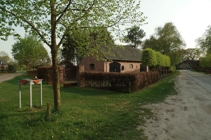 Geräumige Villa in Waldnähe in Leende