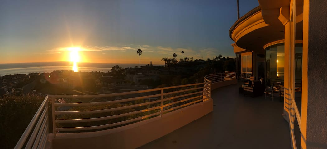 La Jolla Seaside Home Share (1 Queen Bd/ 1 Bth)