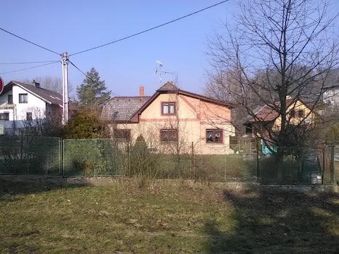 Dům ve Zvoli u řeky Úpy