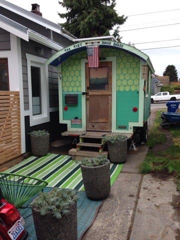 The 'TSS' Tiny Sugar Shack - Seattle - Camper/RV